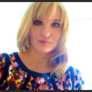 Profile photo for Helen-Louise Smith