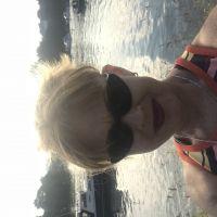 Profile photo for Dawn Bradley