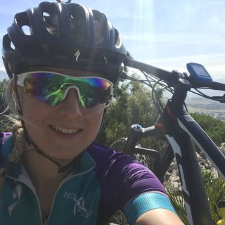 Profile photo for Hannah attenburrow