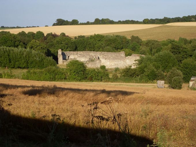 Ruins of Lullingstone Castle viewed from Sparepenny Lane