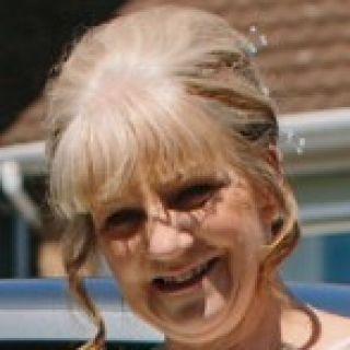Profile photo for Lesley Harwood