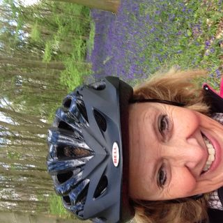Profile photo for Lynn Dandy