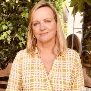 Profile photo for Elizabeth Stirrat