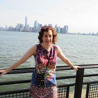 Profile photo for Rosie Carlisle