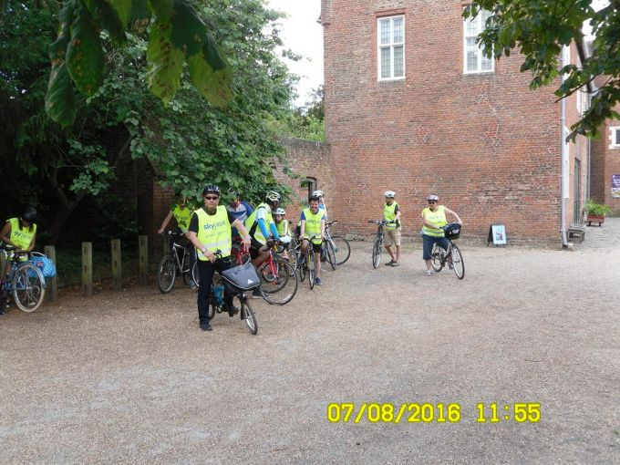 Getting ready for the second half of the ride after a coffee stop at Osterley house and park