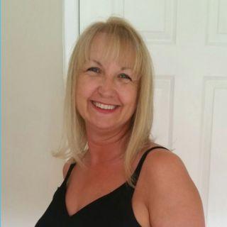 Profile photo for Leigh Johnson