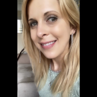 Profile photo for Nicole  Lindsay