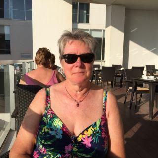 Profile photo for Diane Warburton